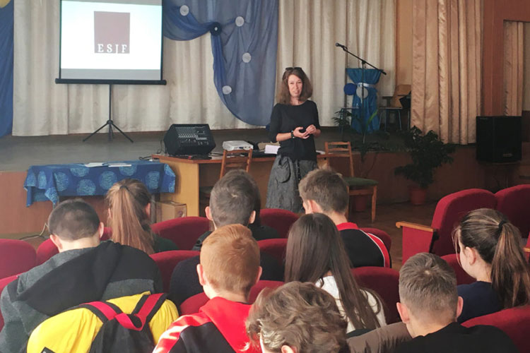 First educational projects of our EU-funded pilot project take place in Ukraine